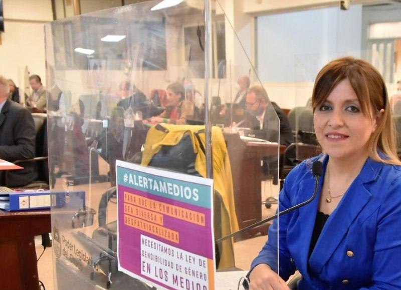 La diputada Ayala una de las impulsoras de la iniciativa que será de cumplimiento obligatorio en los medios de comunicación públicos del Chaco.