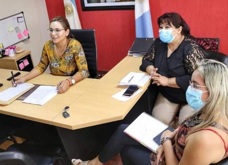 La intendenta Magda Ayala encabezó la firma del importante convenio.