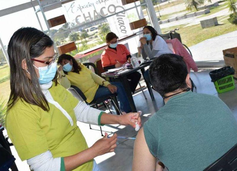 Deberán estar acompañados por el tutor y presentar certificado, prescripción médica o CUD (certificado único de discapacidad).