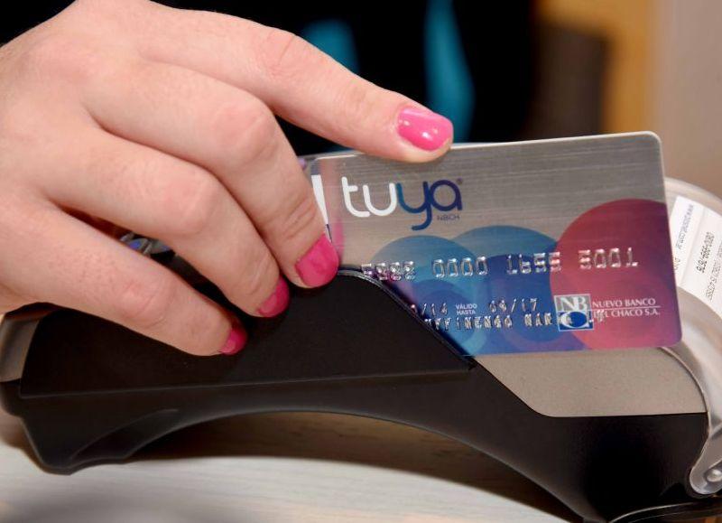 Con tarjeta Tuya, se podrá comprar en comercios adheridos en 6 cuotas sin interés más 5% de bonificación sin tope de reintegro.