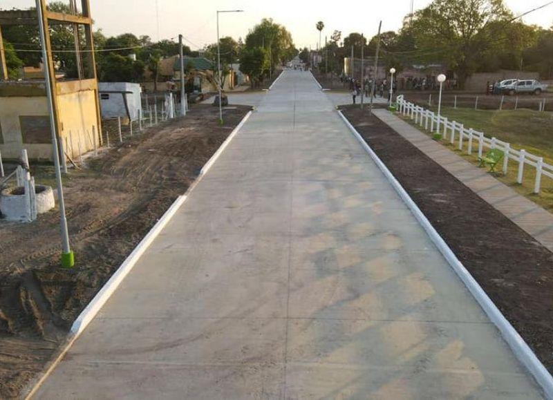 Se inauguraron seis nuevas cuadras de pavimento urbano y las obras de refacción integral de la comisaría, trabajos que demandaron más de 100 millones de pesos de inversión.