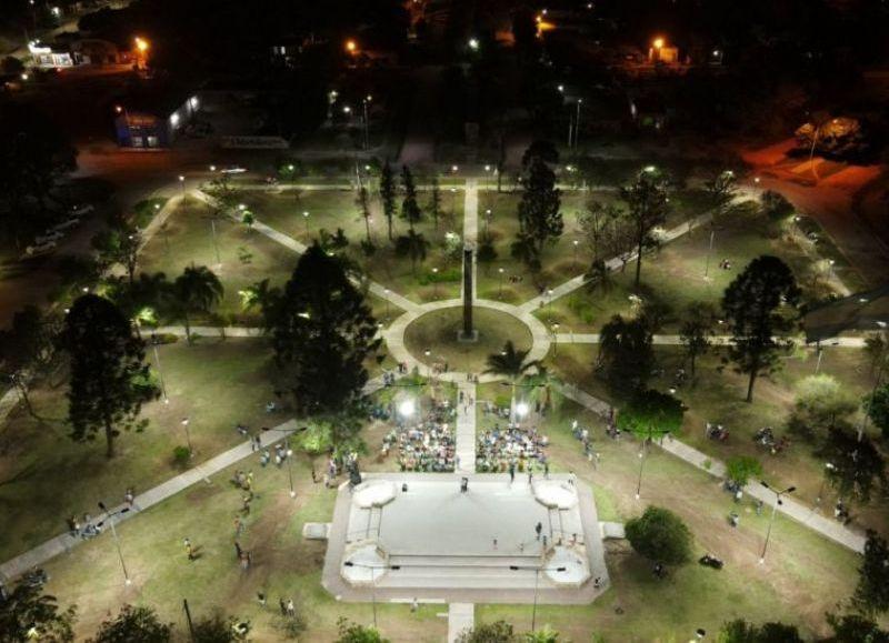 Las obras inauguradas fueron en el portal de acceso al municipio, la avenida principal 25 de mayo y la Plaza Central, donde también se realizaron obras de mejoramiento de senderos peatonales y monumentos.