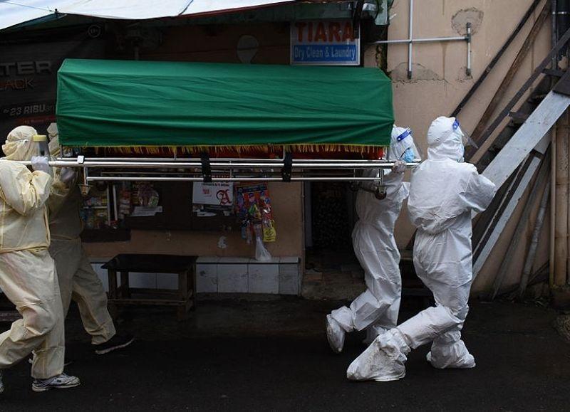 La rápida propagación de la mutación del coronavirus impulsó a Europa a restablecer las cuarentenas de viaje, mientras que varias ciudades de Australia están bloqueadas por un rebrote y Japón está lidiando con contagios.