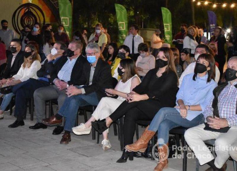 Junto con el gobernador Jorge Capitanich, la vicegobernadora Analía Rach Quiroga, y el titular del Instituto de Cultura, Francisco Romero, los legisladores acompañaron la apertura del evento federal.