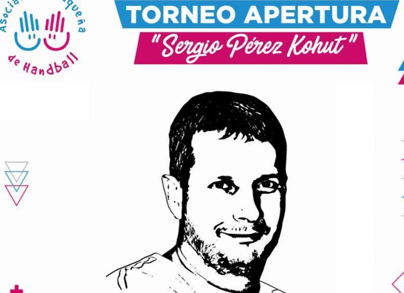 El Torneo Apertura llevará el nombre de Sergio Perez Kohut y el Clausura de Daniel Serrano, dos seres muy queridos de la gran familia del handball chaqueño que se adelantaron en 2020.