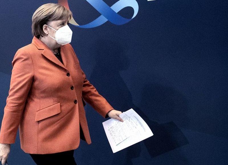 La canciller de Alemania, Angela Merkel, decidió este miércoles dar marcha atrás al confinamiento estricto de cinco días anunciado para Semana Santa.
