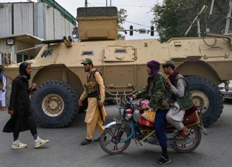 La Alianza culpa de la rápida caída de Kabul a la falta de liderazgo político del gobierno afgano.