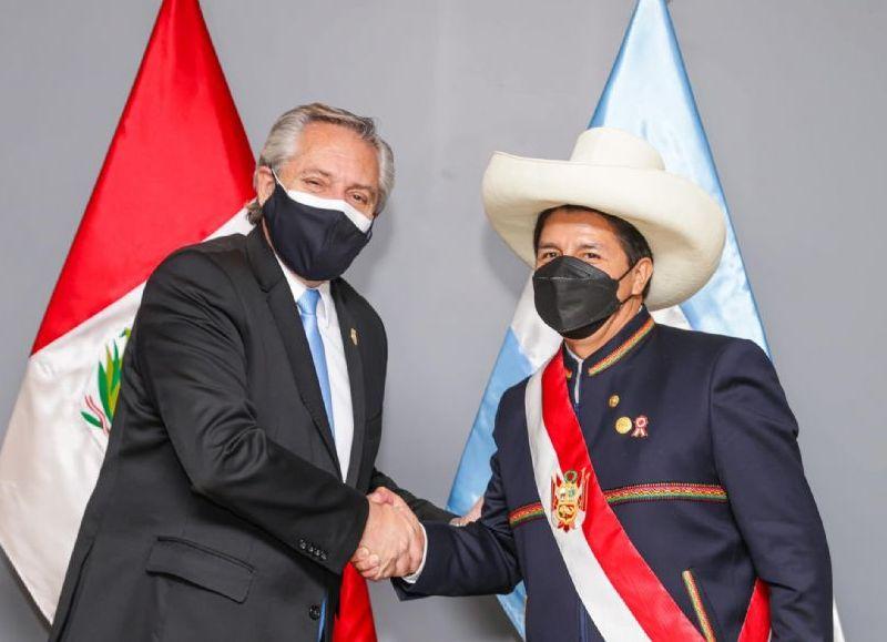 Fue por su viaje a Perú donde asistió a la asunción de Pedro Castillo.
