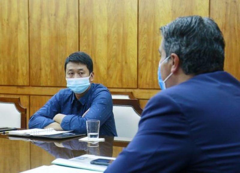 Jorge Capitanich se reunió en la mañana de este martes con Julio Ni, titular de la empresa Shangri La.