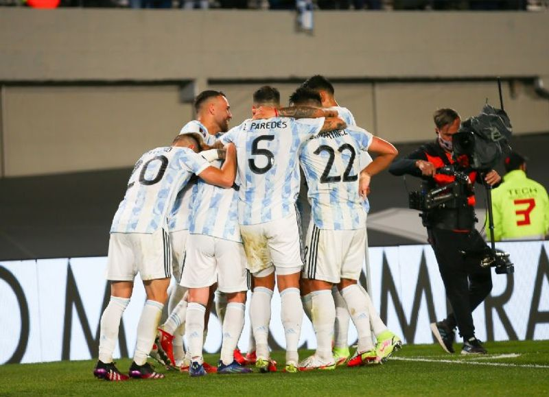 La Albiceleste sumó 22 puntos, estiró su invicto a 24 partidos y está un paso más cerca del Mundial de Qatar.