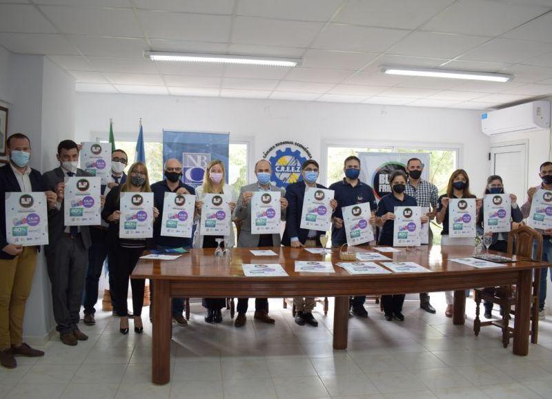 Autoridades realizaron la presentación en la sede de la Cámara Económica Regional El Zapallar.