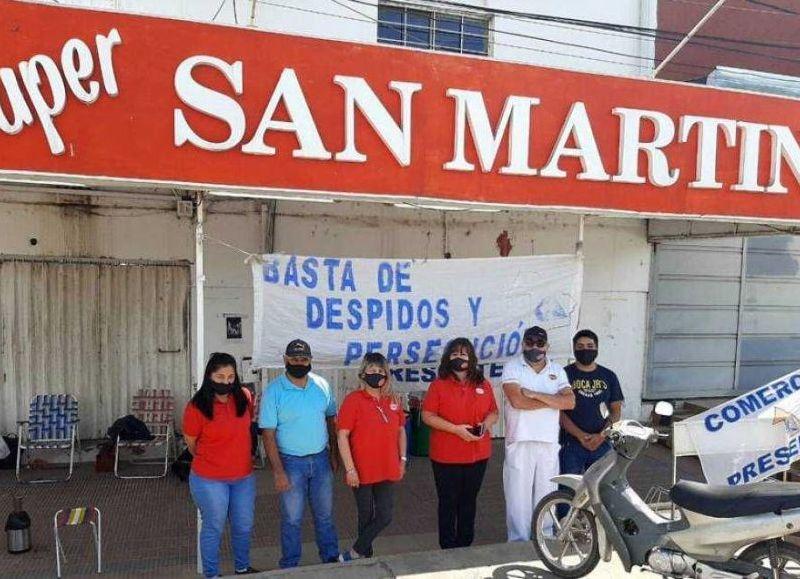 Sobreponerse en plena pandemia, De la mano de sus trabajadores, reabrió el supermercado San Martín.