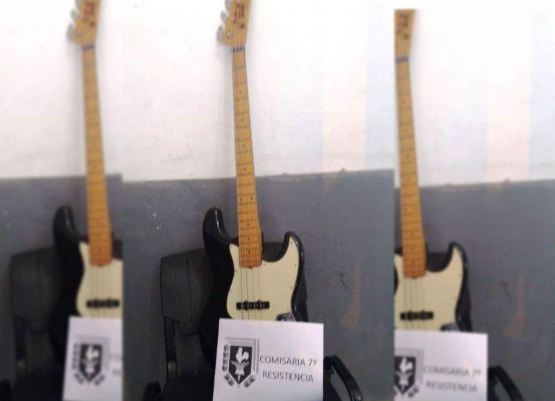 La guitarra que dos sujetos, que huyeron, intentaban vender en el barrio Emerenciano.