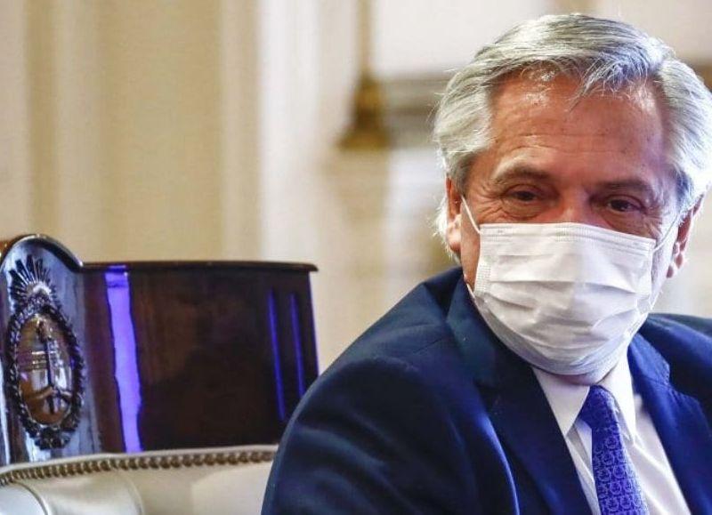 En Casa Rosada, se ultima el decreto que dará igualmente potestad a las provincias para definir los alcances. Alberto y Cafiero dialogan los gobernadores, que ponen reparos a los cierres totales.