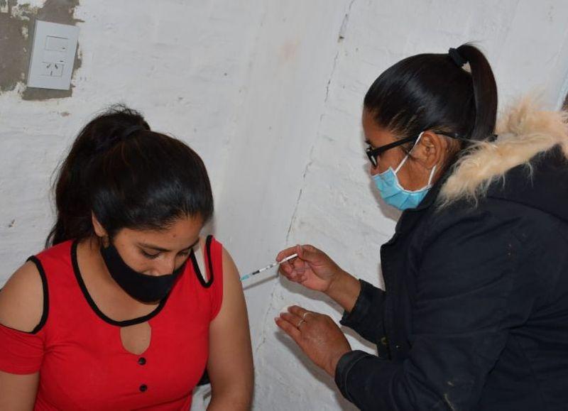 Desde el 29 de diciembre de 2.020, el Ministerio de Salud Pública del Chaco aplicó un total de 811.027 dosis de las diferentes vacunas.