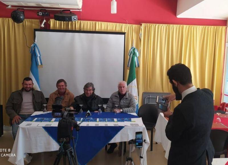 Conferencia de prensa de los candidatos de Unión Social Lealtad Popular que se realizó en el salón Mocoví de Charata el pasado jueves.