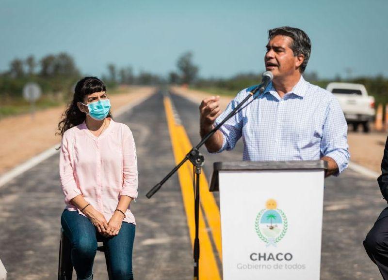 """Capitanich inauguró el primer tramo de la ruta provincial 13. """"Estas obras promueven la integración territorial y descentralizan las políticas públicas"""", dijo."""
