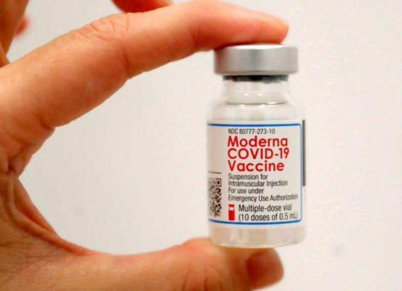 Este miércoles comienzan a distribuirse en todas las jurisdicciones del país 901.040 dosis de la vacuna Moderna, del total de 3.500.000 que fueron donadas a la Argentina por Estados Unidos.