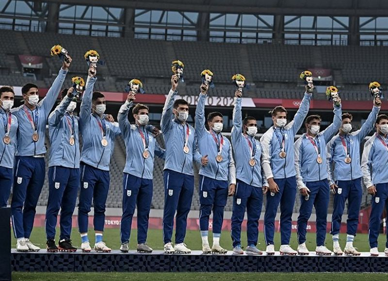 El conjunto dirigido por Santiago Gómez Cora le ganó a Gran Bretaña por 17-12 y consiguió la primera presea del país en los Juegos Olímpicos de Tokio 2020.