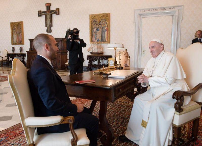El Sumo Pontífice argentino y el ministro Guzmán.