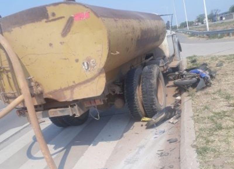 La colisión fue en el acceso norte de Taco Pozo.