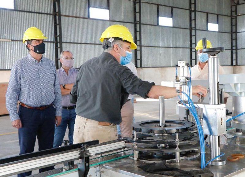 Actualmente producen 3000 latas de spray por hora. Genera entre 30 y 50 empleos, en el proceso de expansión de la capacidad productiva.