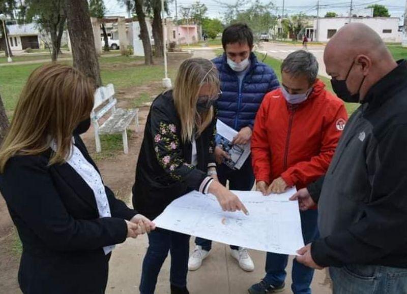 """Las obras se concretarán a través del BID, Vialidad Provincial y también mediante el Ministerio de Infraestructura del Chaco"""", según lo adelantado por la jefa comunal."""