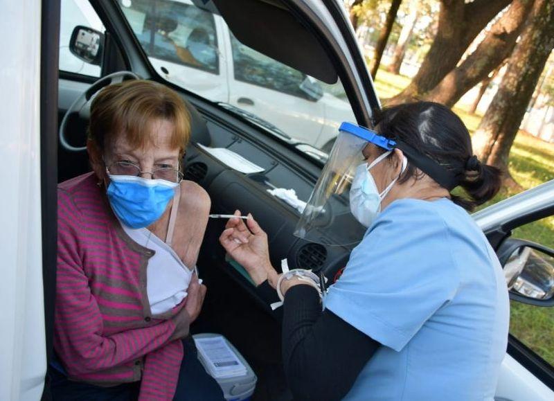 Casi el 30% de la población de todo el país ya recibió la primera dosis contra el Covid