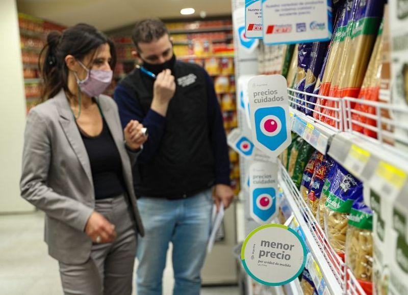 Paula Español acompañó a los inspectores de la Secretaría de Comercio Interior.