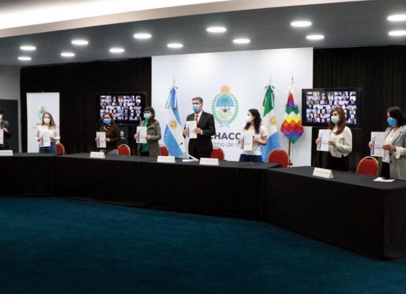 Capitanich y Analía Rach Quiroga agradecieron a las y los periodistas por el trabajo que llevan adelante en la provincia.