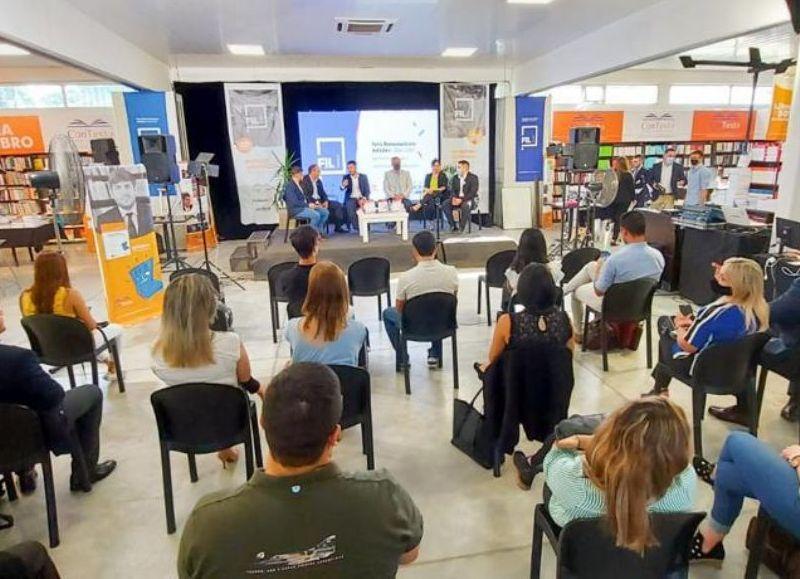 El simulacro se realizó entre el club de litigación de Chaco y el club de Corrientes, la propuesta tuvo una buena convocatoria.