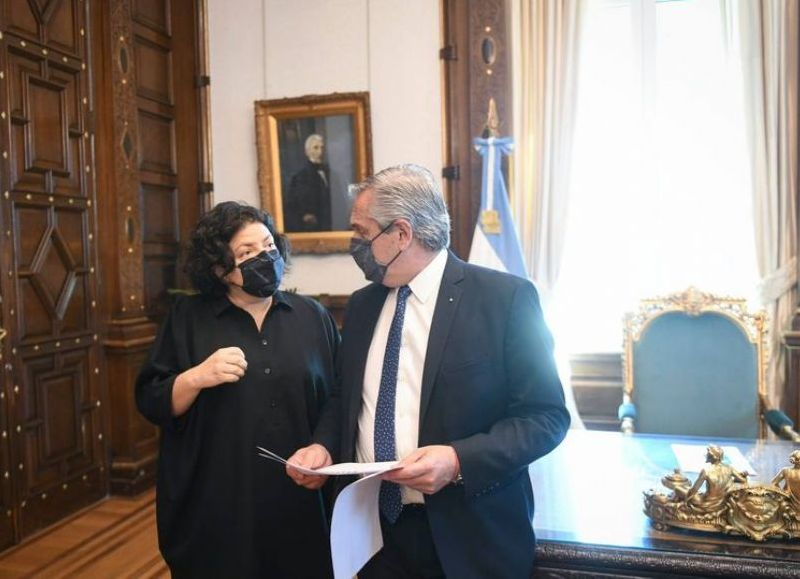 Vizzotti le informó al presidente Alberto Fernández en su despacho la novedad.